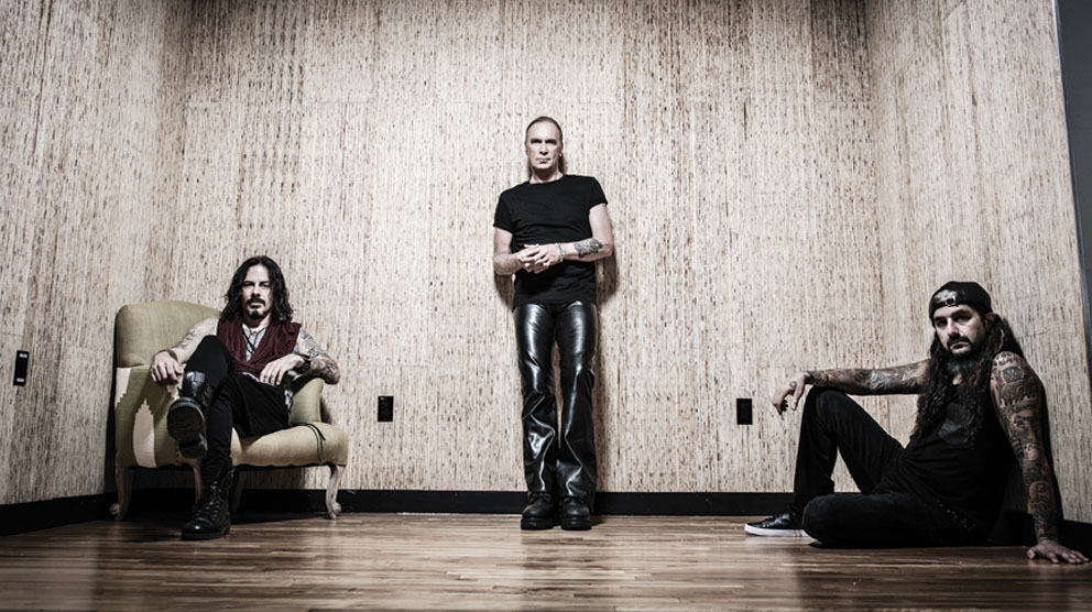 the winery dogs pic 1