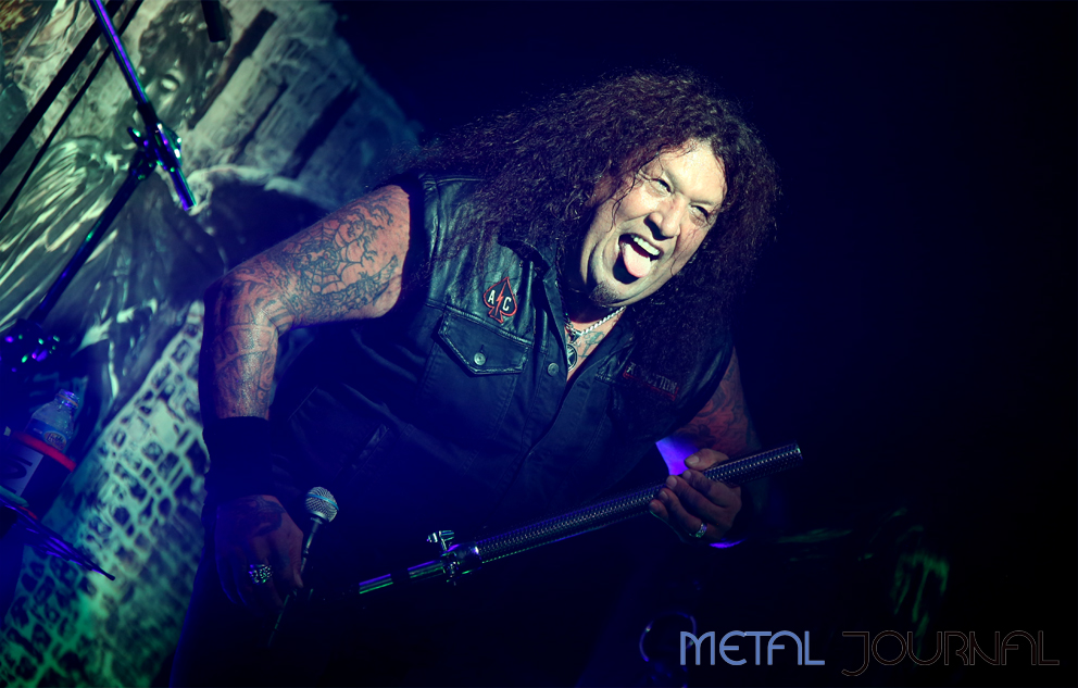 testament-metal-journal-2016-pic-6