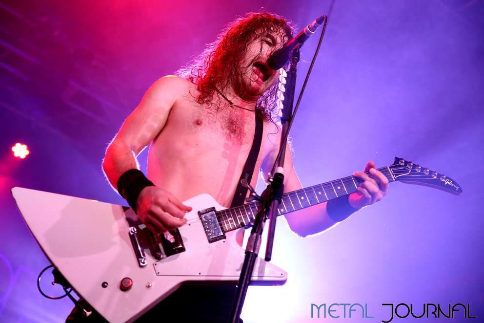 airbourne-metal-journal-2016-pic-4