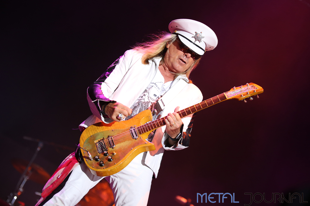 cheap trick - azkena rock 2017 metal journal pic 1