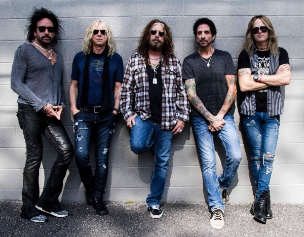 the dead daisies pic 1