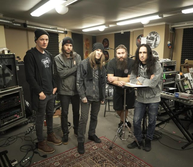 children of bodom - estudio