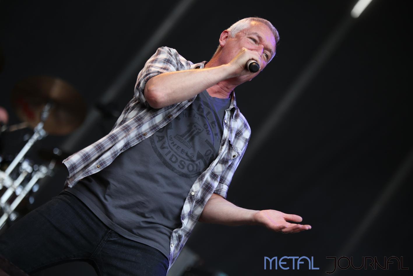 thunder - leyendas del rock 2018 pic 1