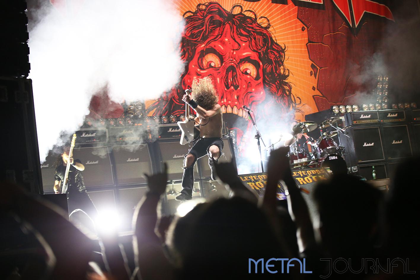 airbourne - leyendas del rock 2019 metal journal pic 4