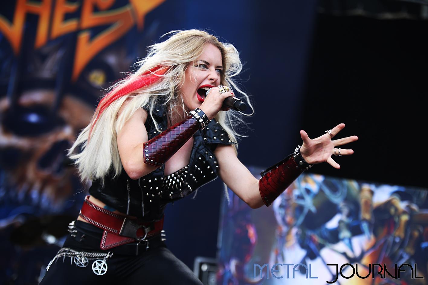 burning witches - leyendas del rock 2019 metal journal pic 1